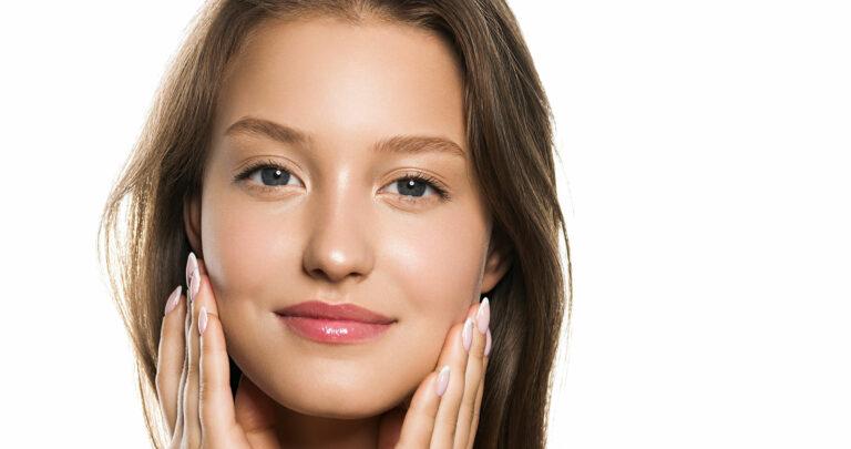 Injection d'acide hyaluronique pour les joues creuses à Paris - Dr Nguyen